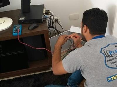 Instalação de alarmes e DVR